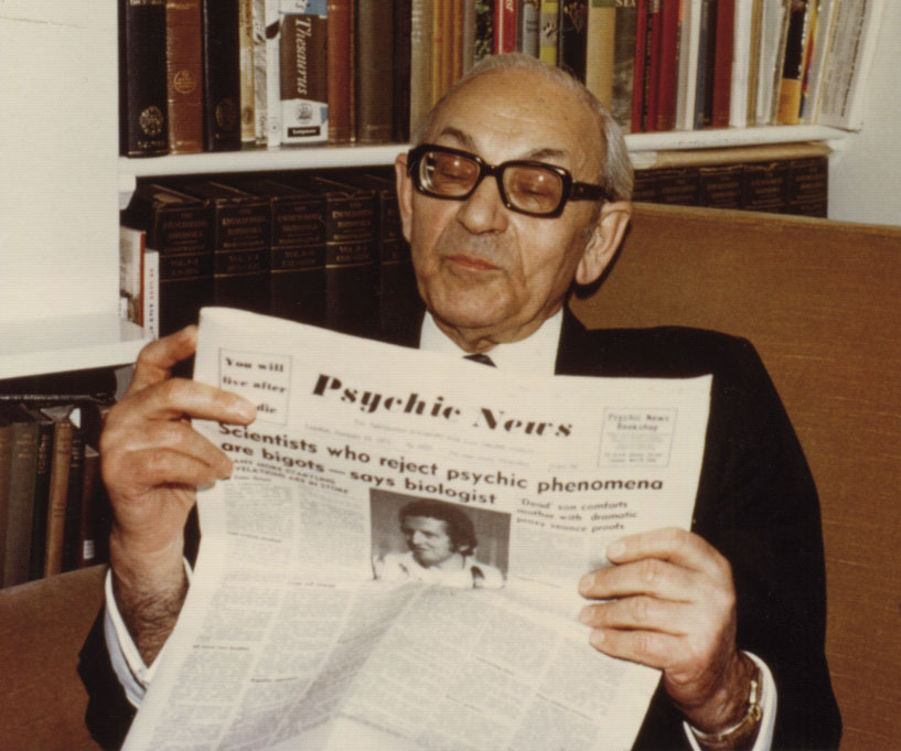 Maurice Barbanell reading Psychic News